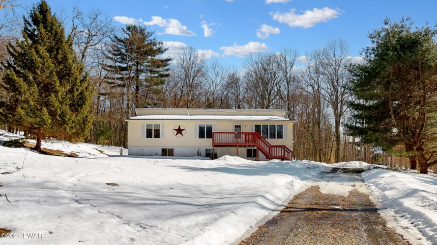 108 Yellow Wood Dr, Milford, PA 18337