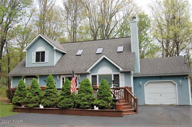 107 Basswood Dr, Lords Valley, PA 18428