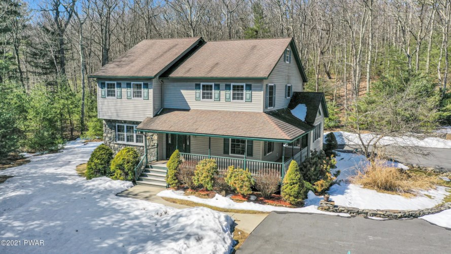 115 Windwards Ln, Dingmans Ferry, PA 18328