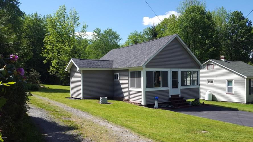 761 Elk Lake Dr, Waymart, PA 18472