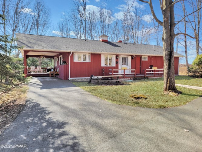327 Schoolhouse Rd, Honesdale, PA 18431