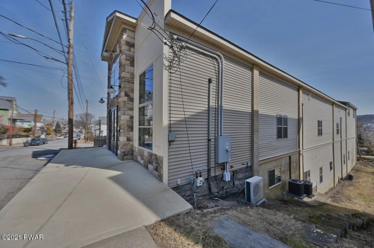 970 Ridge Ave, Scranton, PA 18510