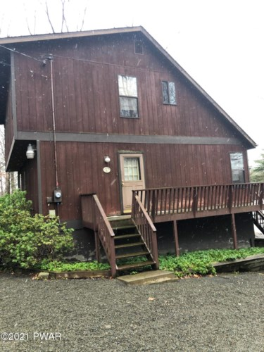 121 S Shore Dr, Milford, PA 18337