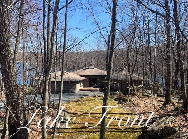 127 Corral Ln, Lords Valley, PA 18428