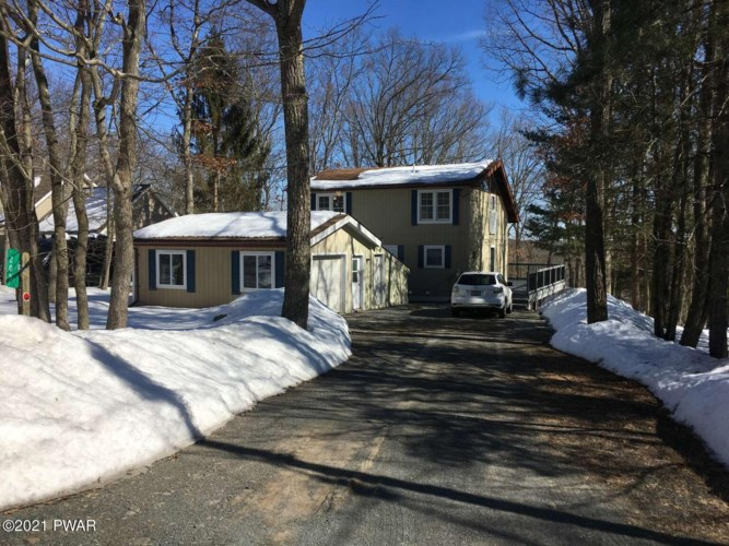 205 Rodeo Dr, Lords Valley, PA 18428
