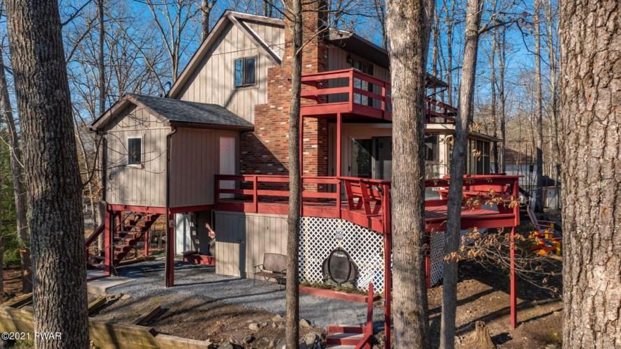 109 Woodville Ct, Bushkill, PA 18324