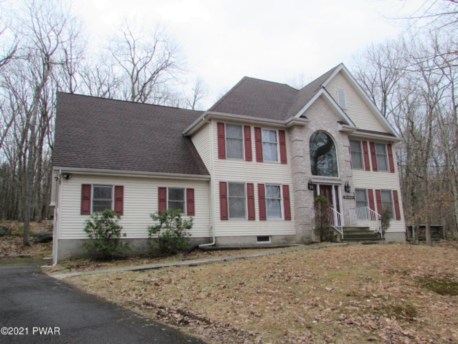 804 W Basswood Ct, Lords Valley, PA 18428