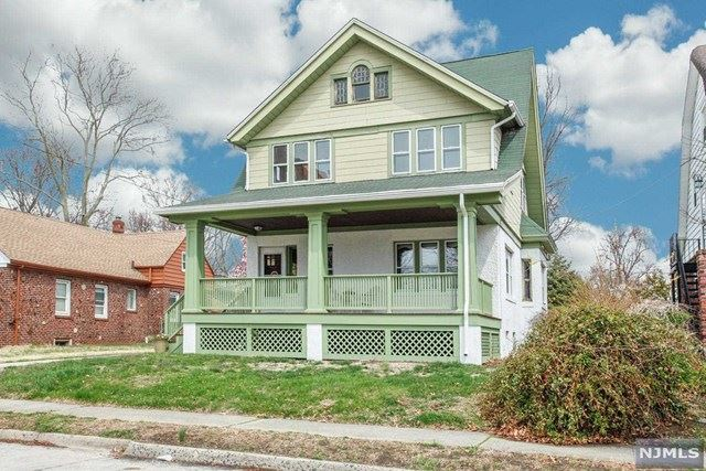 32 Brewster Avenue, Ridgefield Park, NJ 07660