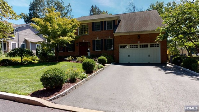 935 Woodland Avenue , Oradell, NJ 07649