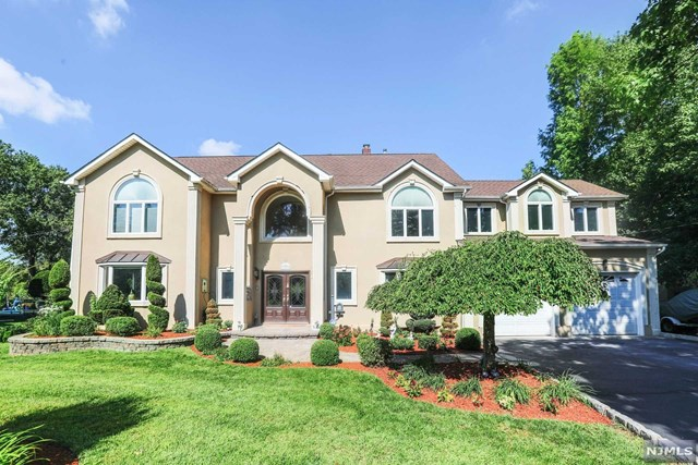 393 Spring Valley Road , Paramus, NJ 07652