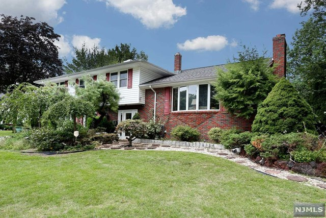 495 Mildred Place , Oradell, NJ 07649