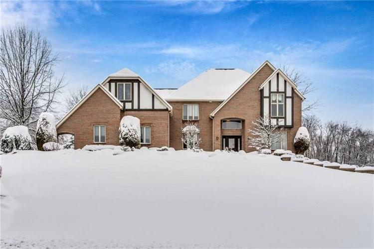 16 Hawthorne Ln, Penn Township, PA 15642