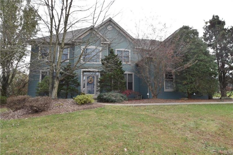 5660 Mountain Laurel Drive, Upper Saucon Twp, PA 18036