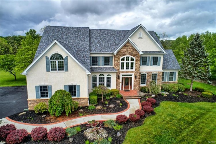 1571 Jakes Place, Lower Saucon Twp, PA 18055
