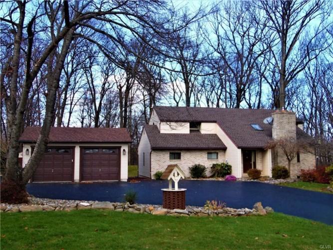 4551 Richard Terrace, Lehigh Township, PA 18088