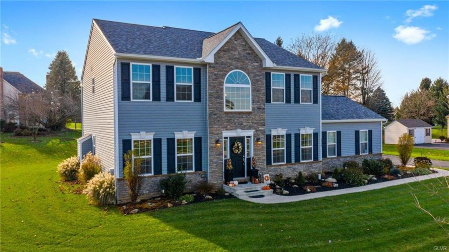 3326 Gristmill Drive, Lower Macungie Twp, PA 18049