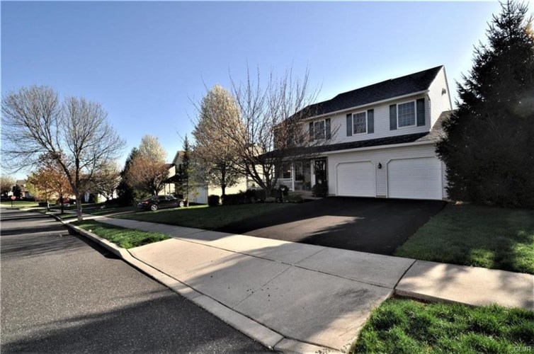 3805 Clay Drive, Lower Macungie Twp, PA 18062