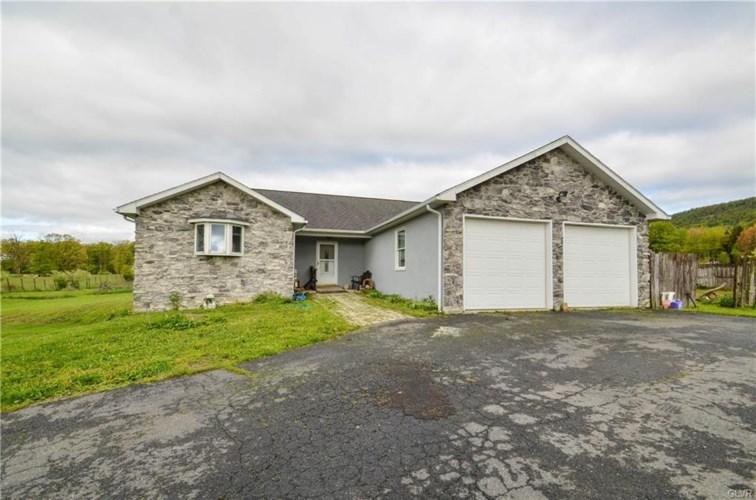 1311 North Cottonwood Road, Lehigh Township, PA 18038