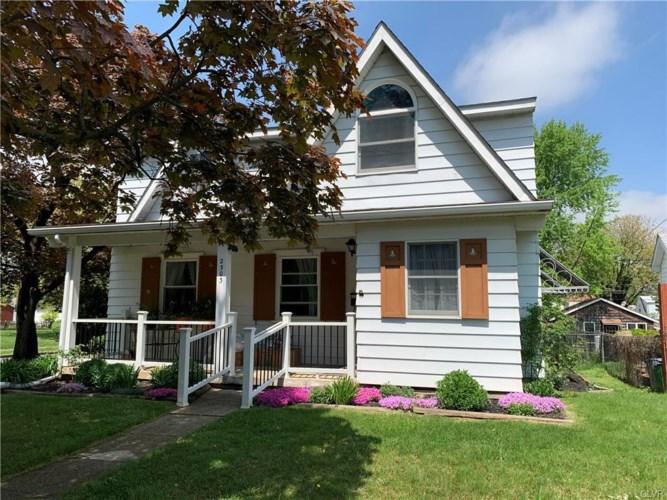 2303 East Woodlawn Street, Allentown City, PA 18109