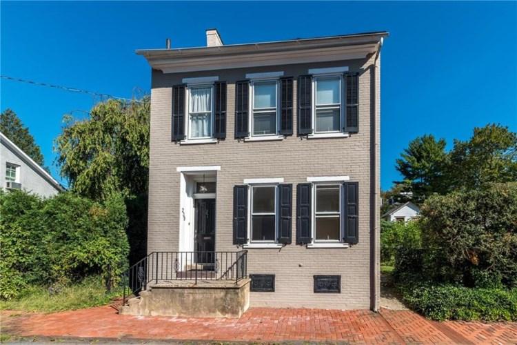 239 East Wall Street, Bethlehem City, PA 18018