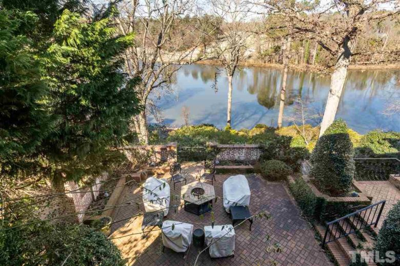 2805 Lakeview Drive, Raleigh, NC 27609