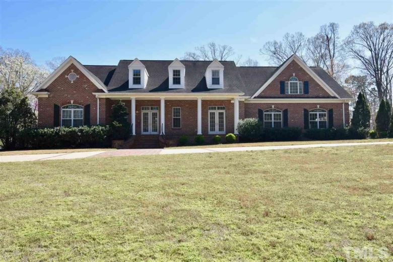 8109 Woodcrest Court, Fuquay Varina, NC 27526