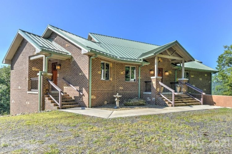 2957 Roses Branch Road, Bakersville, NC 28705