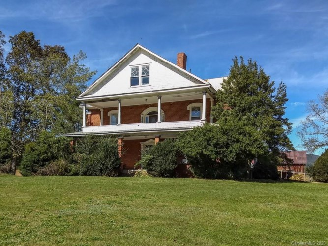 5593 Old Clyde Road, Canton, NC 28721