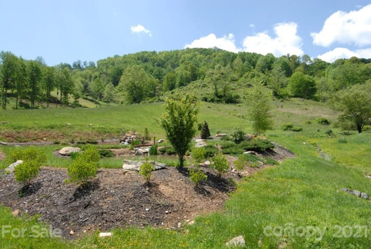 000 Mountain Park Drive, Mars Hill, NC 28754