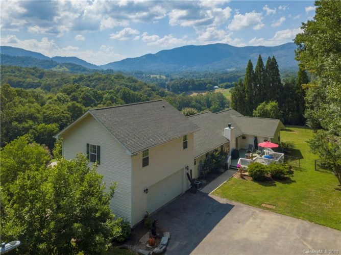 55 S Lindon Cove Road, Candler, NC 28715