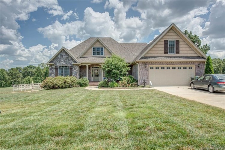 122 White Tail Drive, Boiling Springs, NC 28152