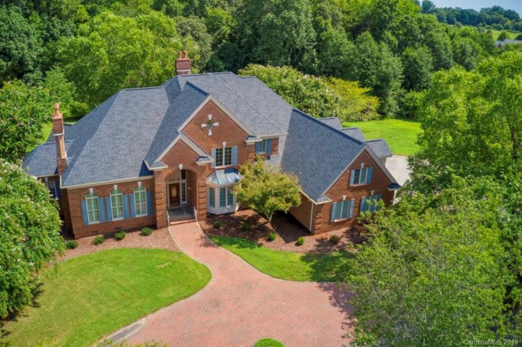 120 Carriage Court S, Shelby, NC 28150