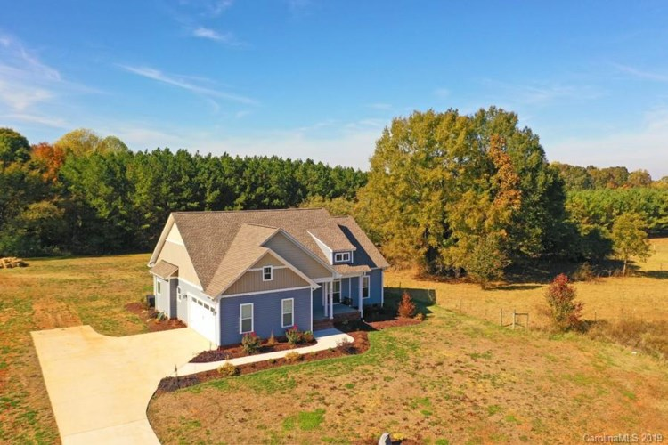 5533 Harvest Hills Road, Bessemer City, NC 28016