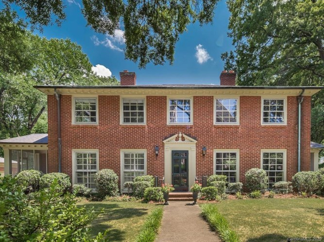 2524 Oxford Place, Charlotte, NC 28207