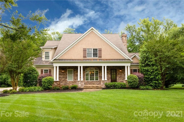 704 Torrence Court, Marvin, NC 28173