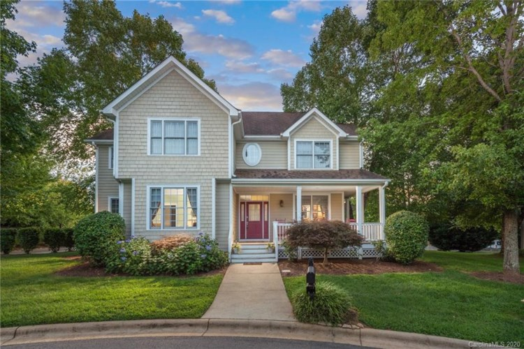 1704 W Olmsted Circle, Asheville, NC 28803