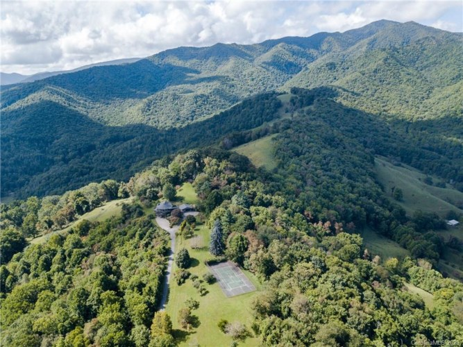 1263 Up Over Road, Canton, NC 28716