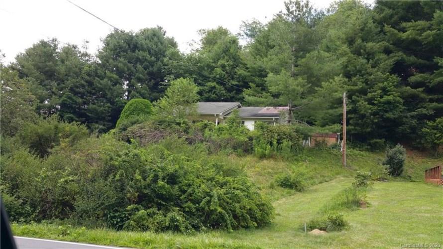 389 Piney Creek Road, Lansing, NC 28643