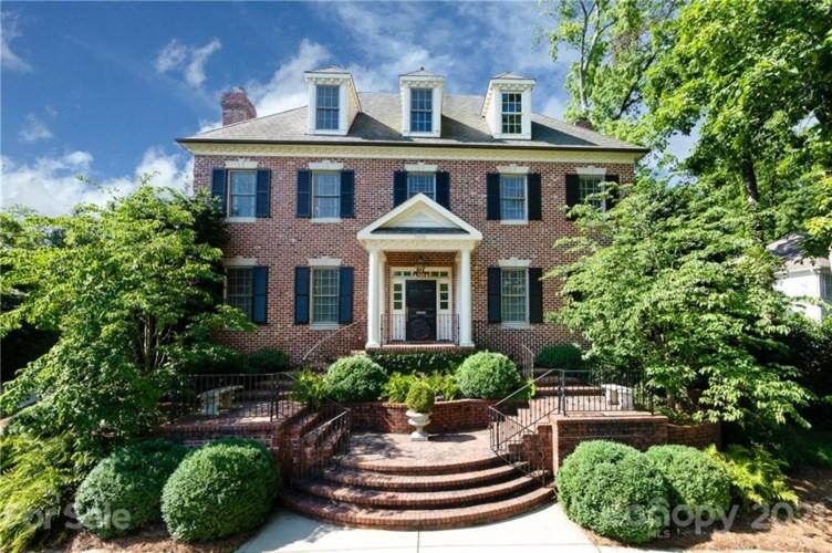 1919 Pinewood Circle, Charlotte, NC 28211