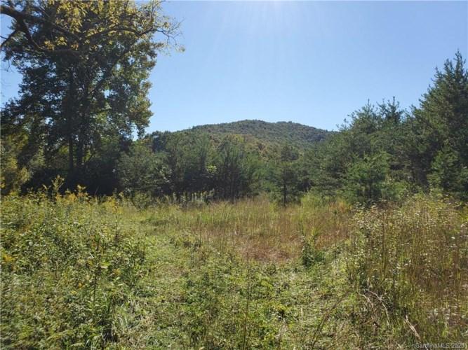 878 Russell Gap Road, Moravian Falls, NC 28654