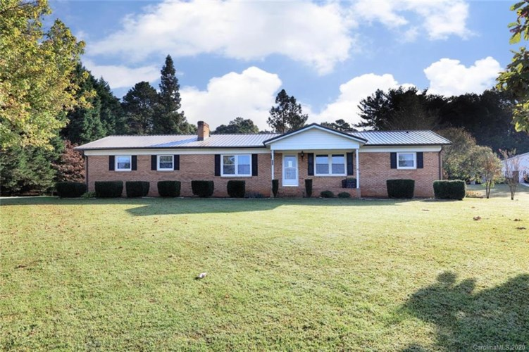 480 Lackey Farm Road E, Stony Point, NC 28678