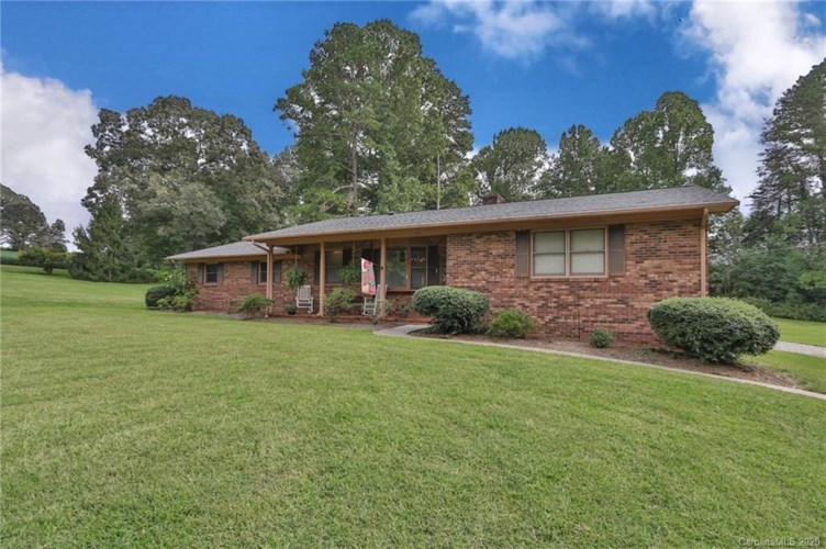 3345 Ralph Road, Boonville, NC 27011