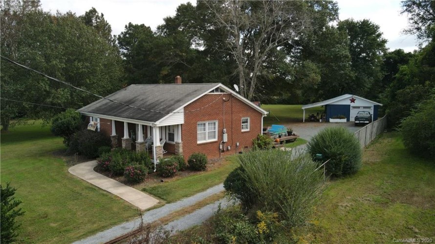 8925 Fairview Road, Charlotte, NC 28227