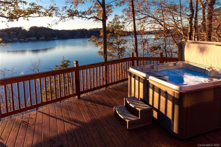 318 Rivercliff Drive, Stony Point, NC 28678