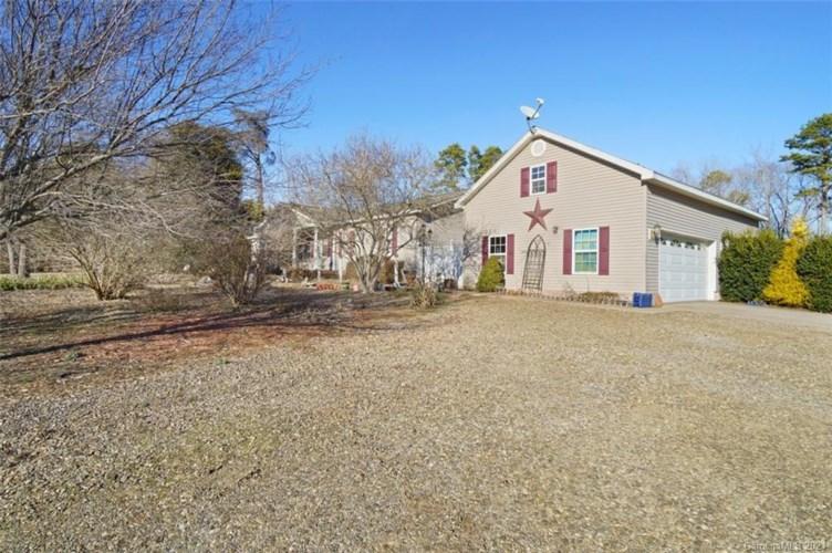 263 Gardner Point Drive, Stony Point, NC 28678