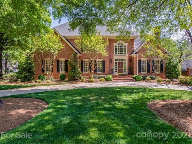 4415 Cameron Oaks Drive, Charlotte, NC 28211