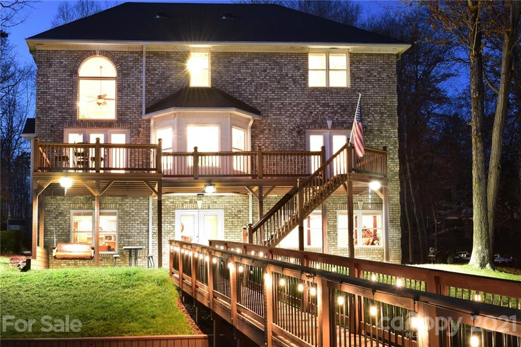 141 Windemere Point, Mount Gilead, NC 27306