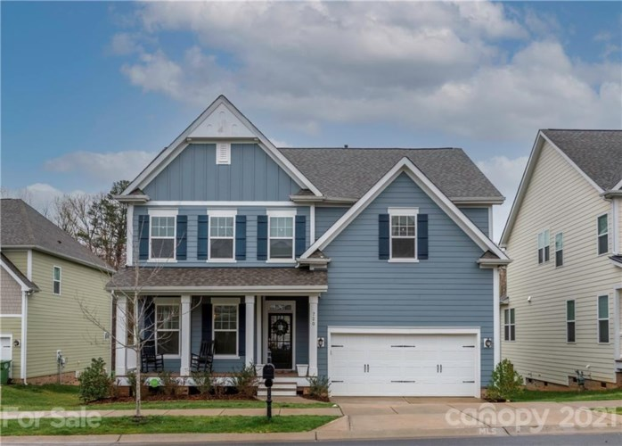 720 Lakeview Drive, McAdenville, NC 28101