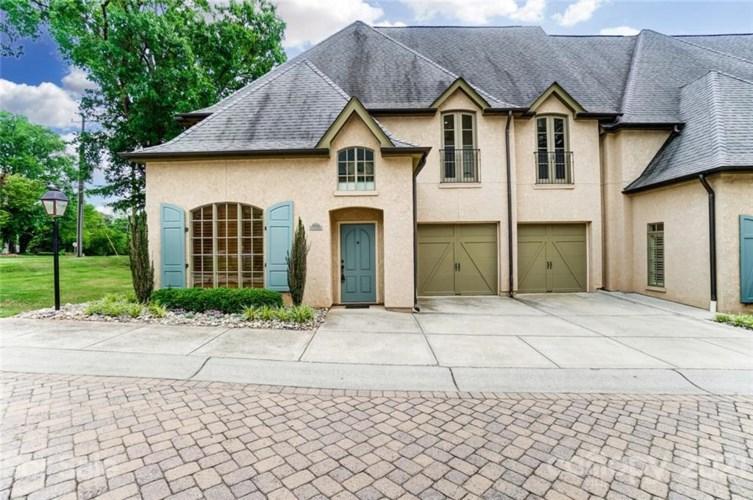 8828 Provence Village Lane, Charlotte, NC 28226
