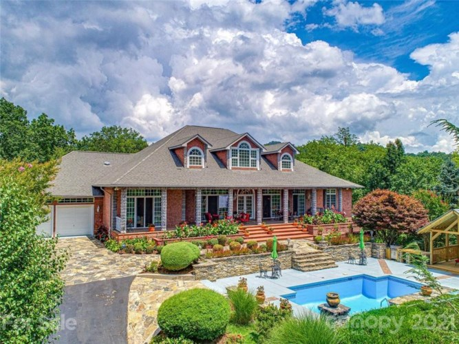 382 Clearview Drive, Waynesville, NC 28785